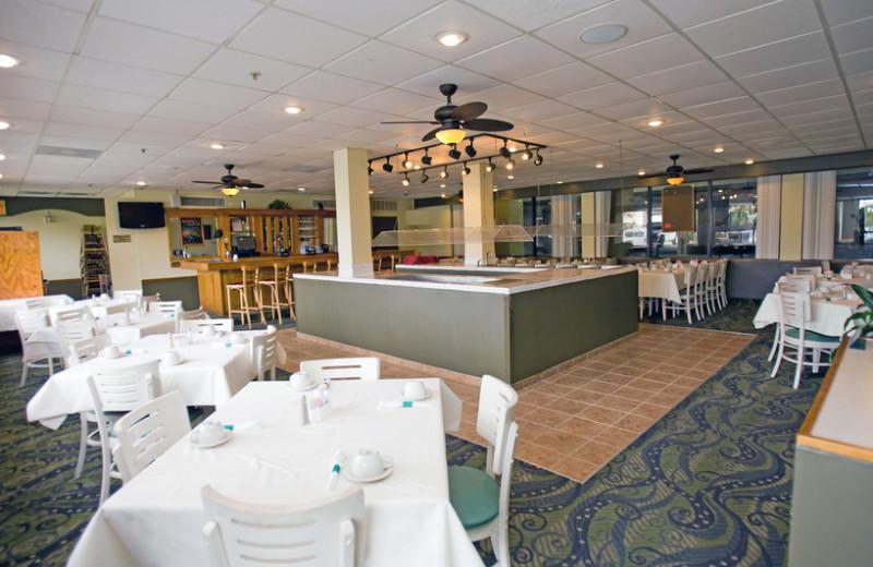 Dining at Grande Shores Ocean Resort.