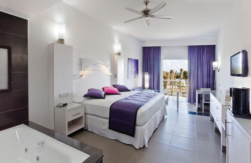 Guest room at RIU Palace Mexico.