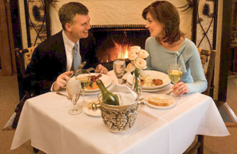 Romantic Dinners at The Lodge at Buckberry Creek