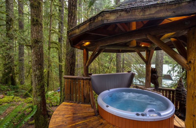 Rental hot tub at Mt. Baker Lodging.
