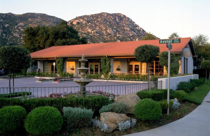 Exterior view of Riviera Oaks Resorts.