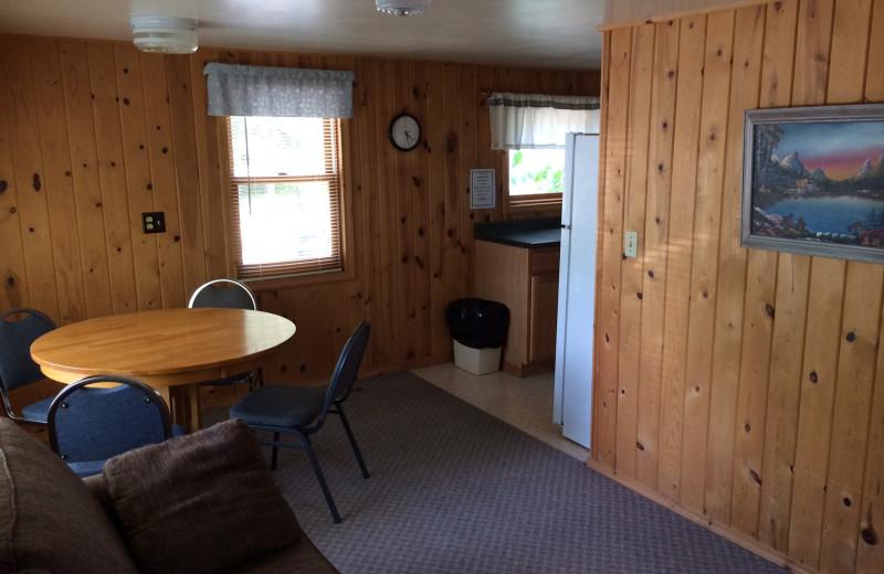 Cabin dining area at Arnesen's Rocky Point Resort.