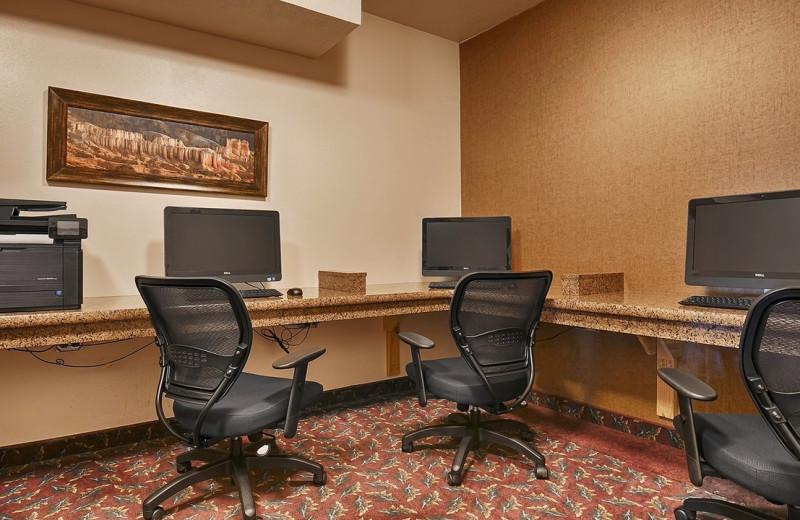 Computers at Best Western Plus Ruby's Inn.