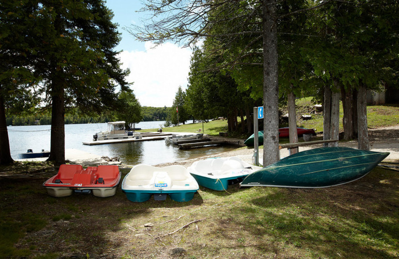 Boats at Fernleigh Lodge.