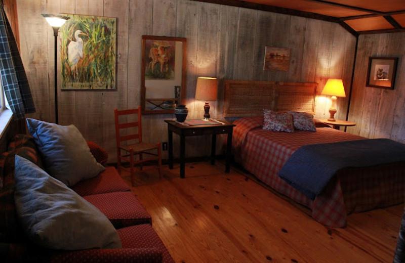 Cabin Bedroom at Deerwoode Lodge & Cabins