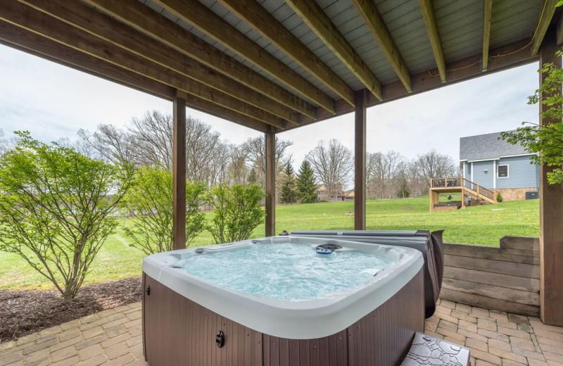 Rental hot tub at Railey Vacations.