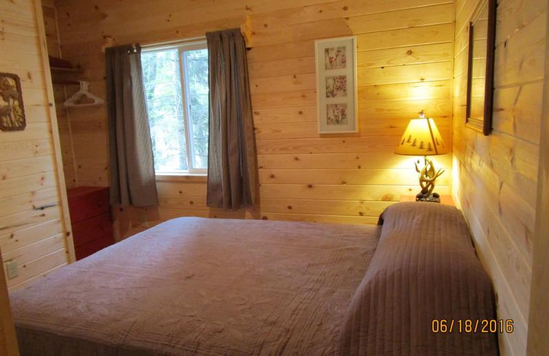 Cabin bedroom at Little Norway Resort.