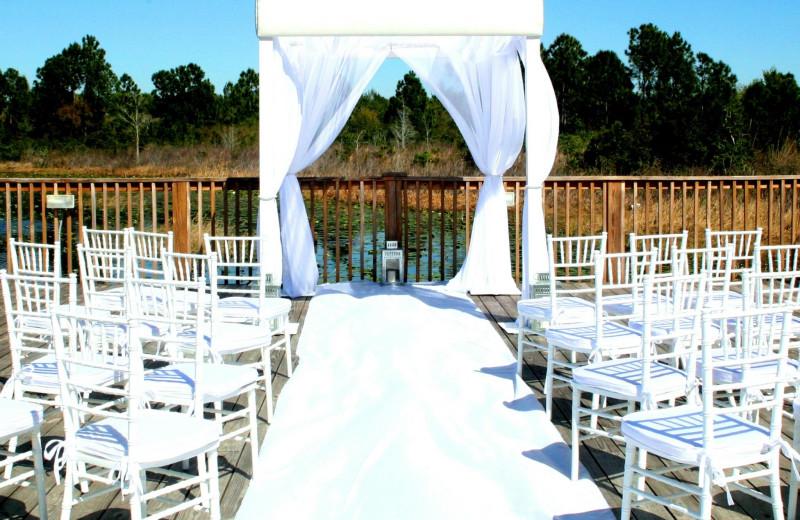 Wedding ceremony at Lake Eve Resort.