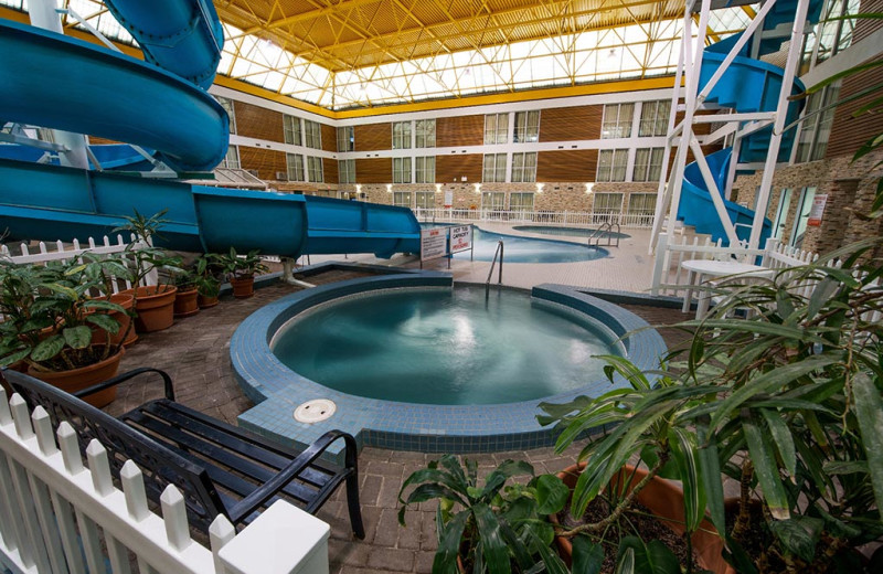 Indoor pool at Victoria Inn Thunder Bay.
