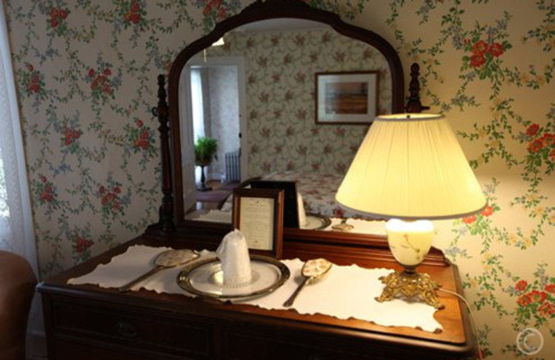 Room amenities at Twin Gables of Woodstock.