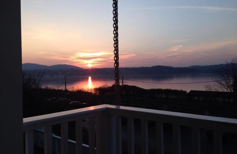 Sunrise at The Rhinecliff Hotel.