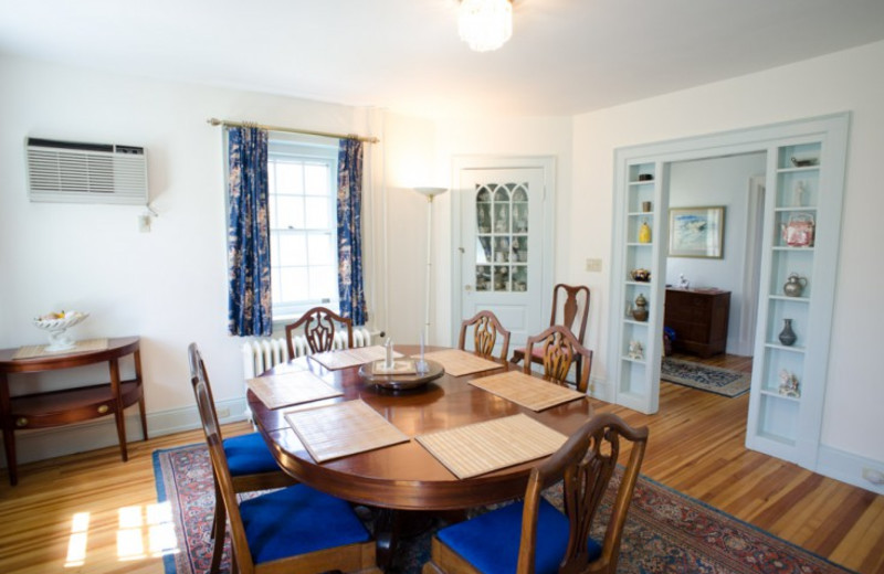 Cottage dining room at Beachmere Inn.