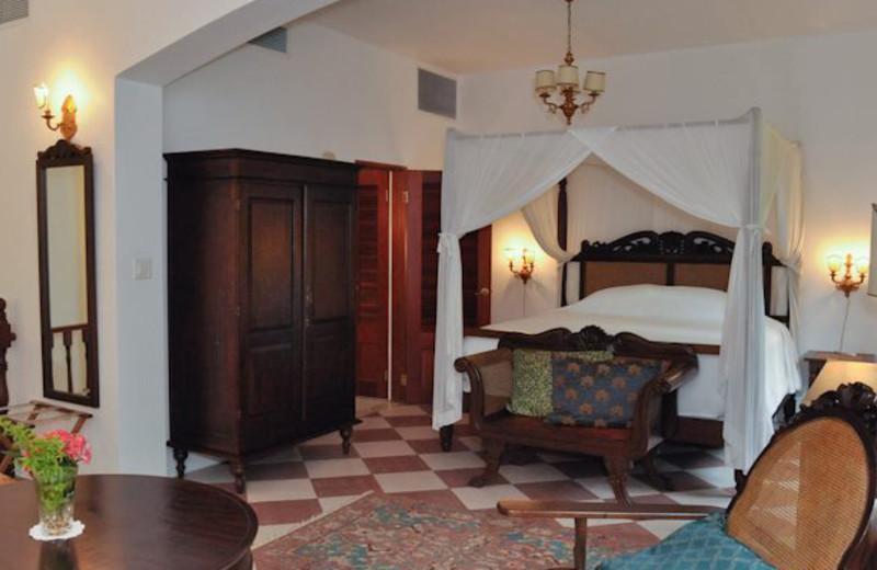 Guest room at Horned Dorset Primavera.