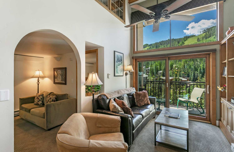 Guest living room at Antlers at Vail.