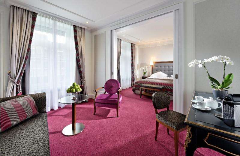Guest room at Hotel Schweizerhof Zürich.