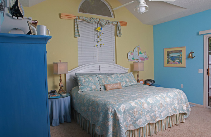 Guest room at The Inn at Harbour Ridge.