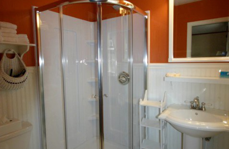 Bathroom at Brookside Country Motel