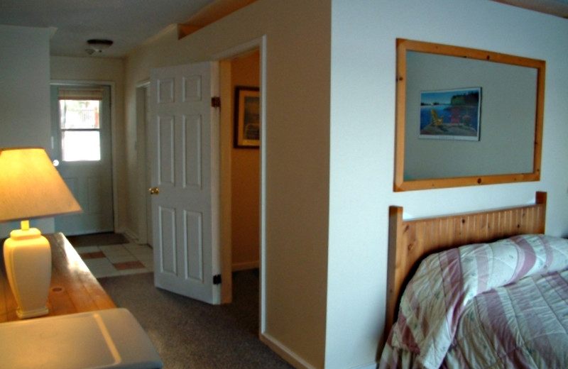 Guest room at Shamrock Lodge.
