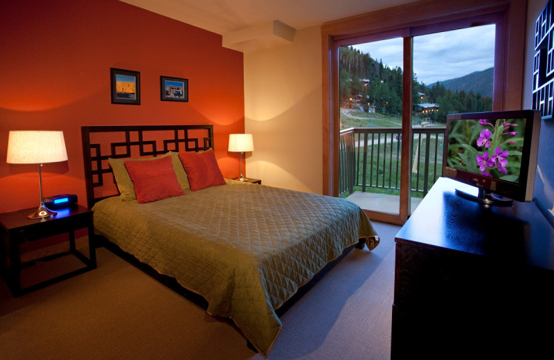 Guest bedroom at Edelweiss Lodge and Spa.