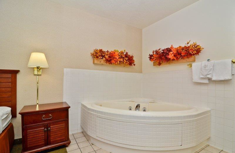 Jacuzzi suite at Ruby's Inn.