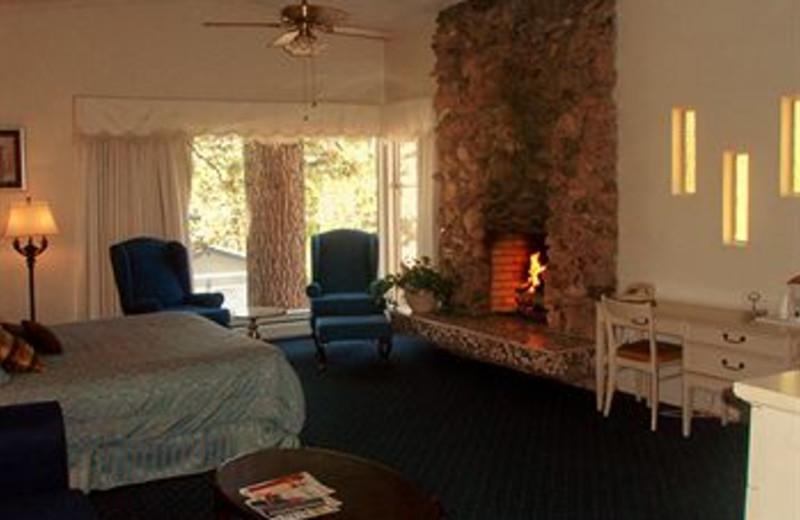 Fireplace Suite at Ambassador Motor Lodge