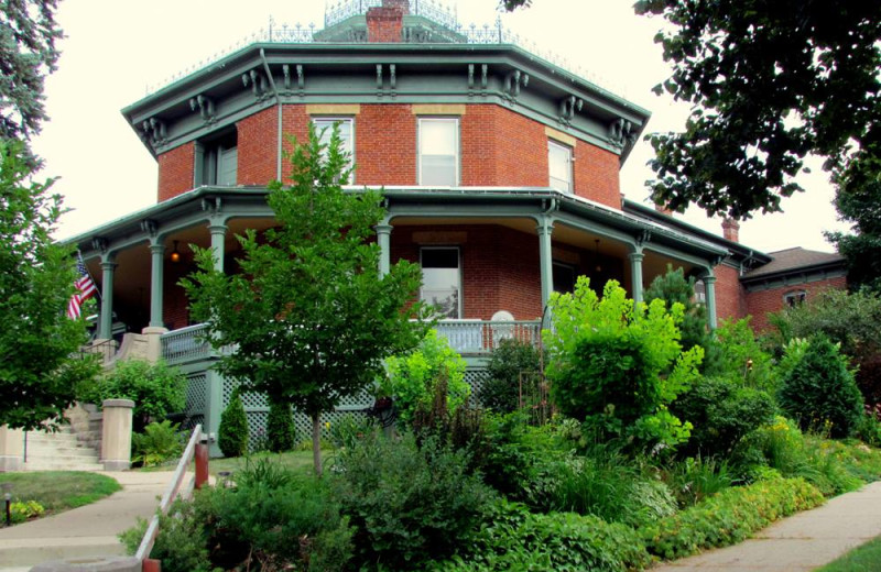 Exterior view of Octagon House.