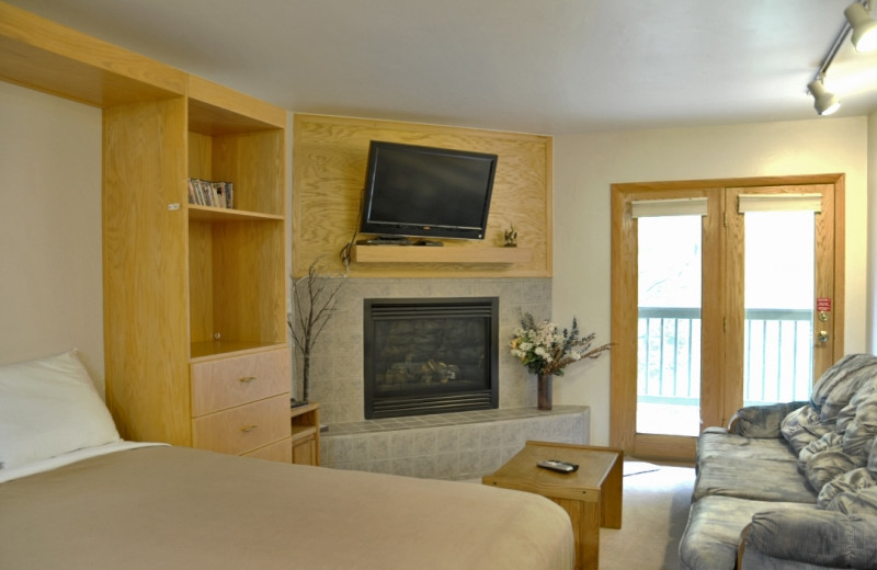 Rental bedroom at Mtn Managers Lodging.
