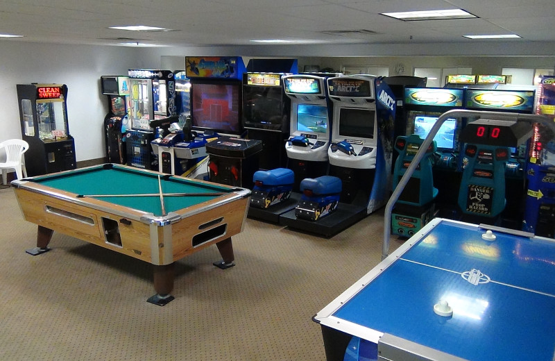 Game room at Delavan Lake Resort.