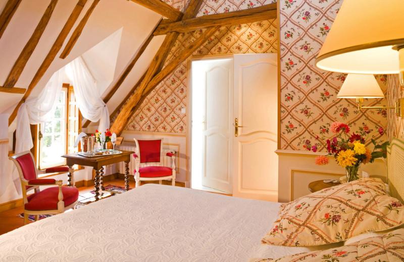Guest room at Domaine de Hauts de Loire.