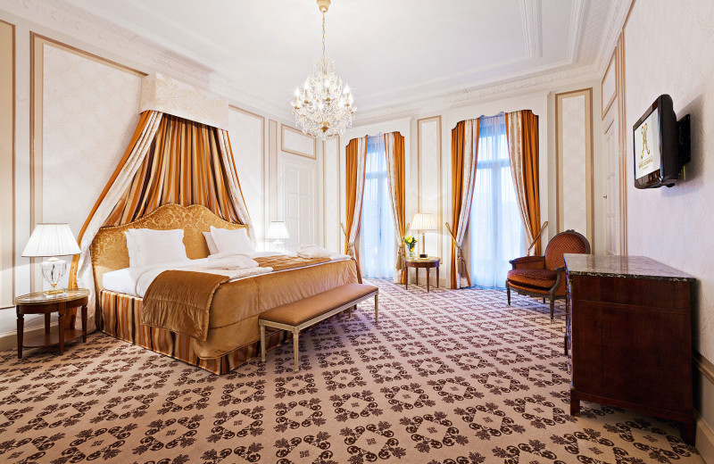 Guest room at Hotel Metropole.