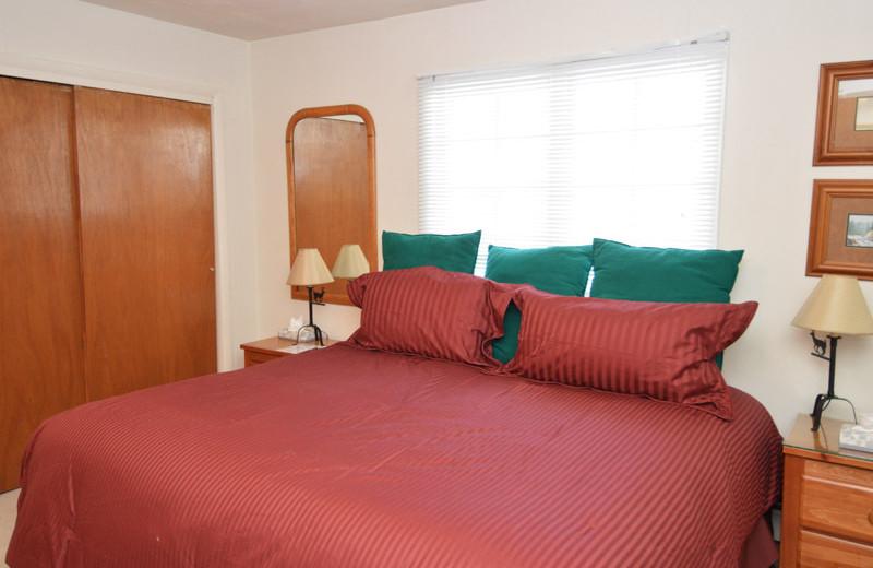 Rental bedroom at Frias Properties of Aspen - Alpenblick #11.