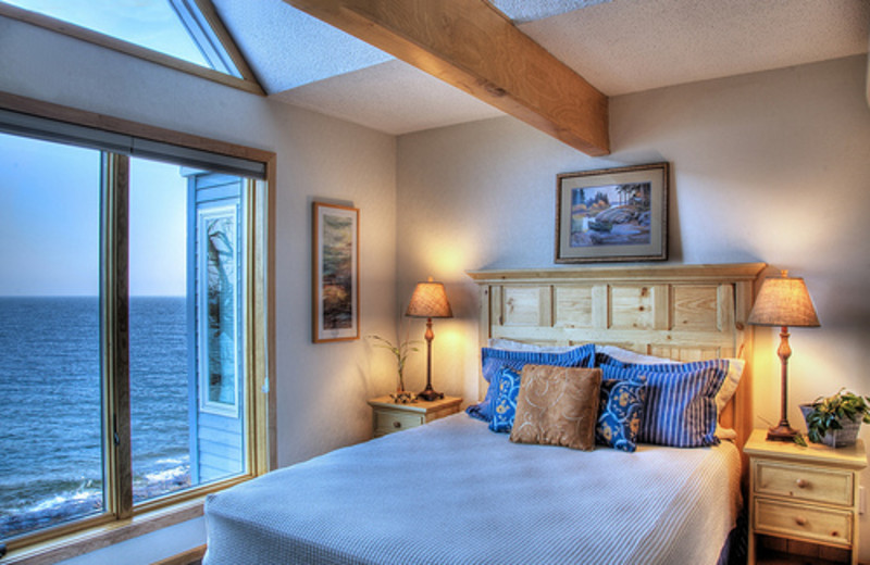 King suite at Bluefin Bay on Lake Superior.