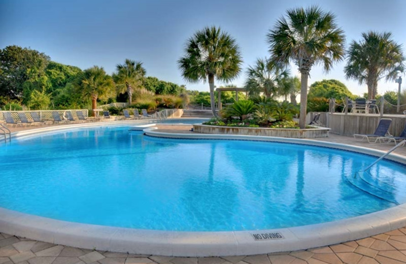 Outdoor pool at The Villas of Amelia Island Plantation.