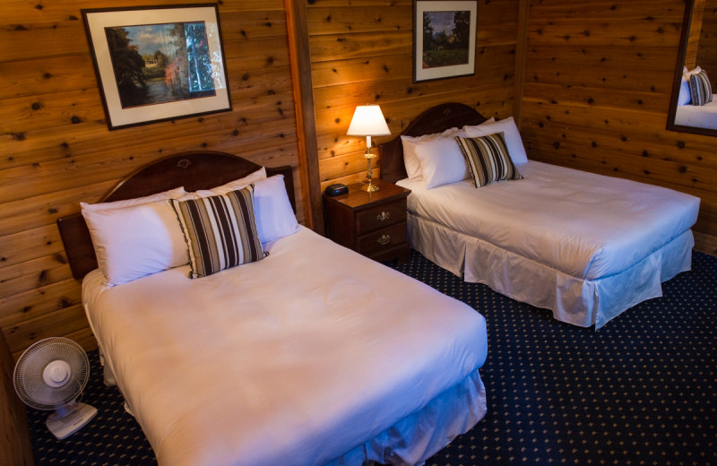 Two bed guest room at Great Alaska Adventure Lodge.
