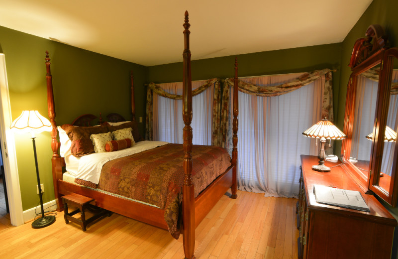 Guest room at Pilot Knob Inn Bed & Breakfast.