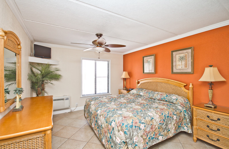 Guest bedroom at Beacher's Lodge Oceanfront Suites.