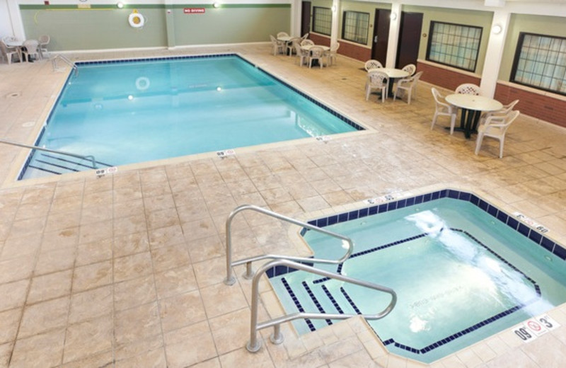 Indoor Pool at the Radison La Crosse Hotel