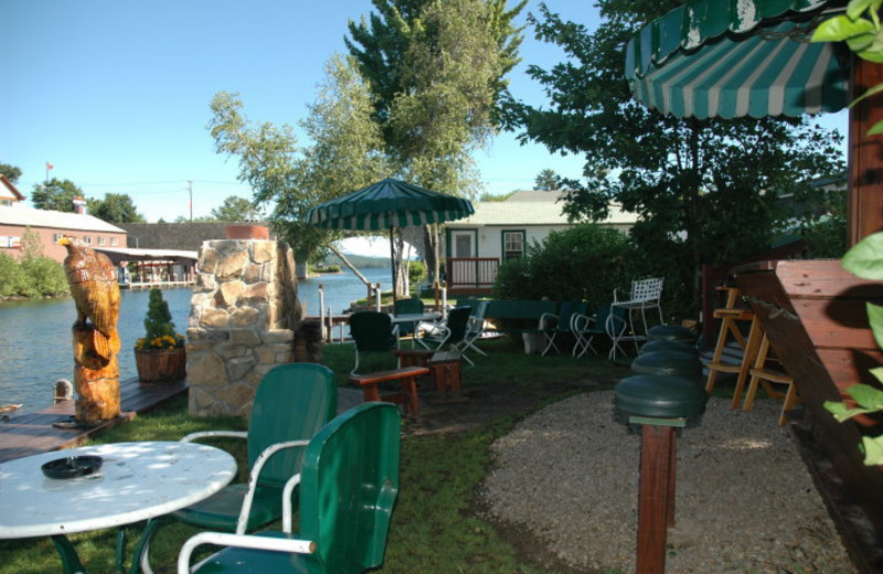 Picnic Area at Channel Waterfront Cottages
