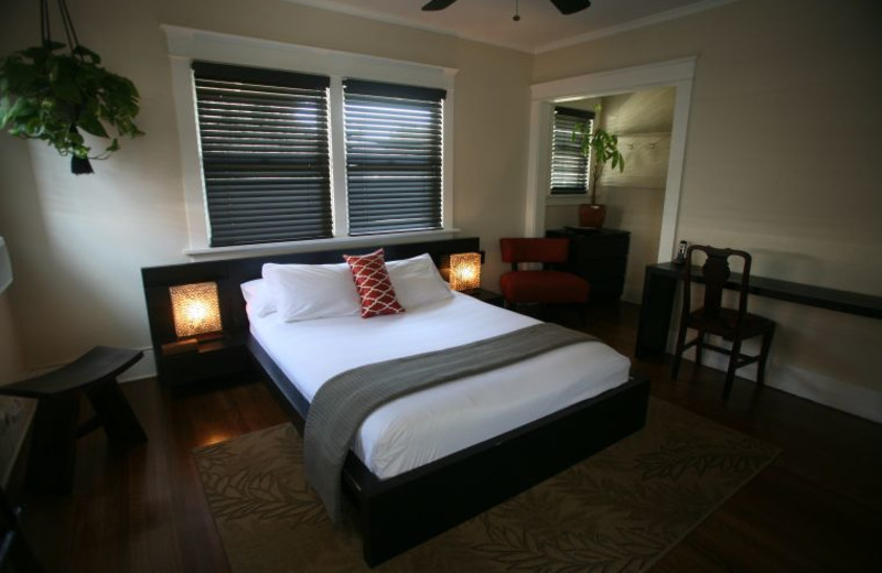 Guest room at Hollywood Pensione.