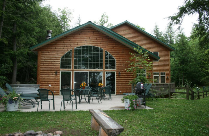 Cabin at Lakewoods Resort.