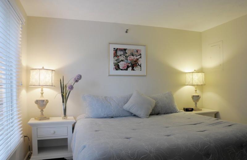 Guest room at Elmwood Resort Hotel.