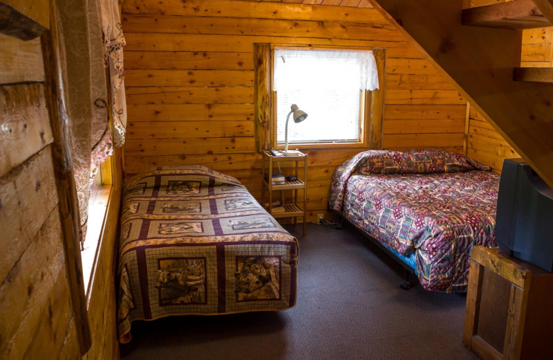 Guest room at Midnight Sun Bed and Breakfast Log Cabins.