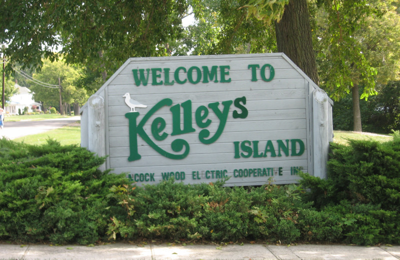 Kelly's island near Maui Sands Resort & Indoor Waterpark.
