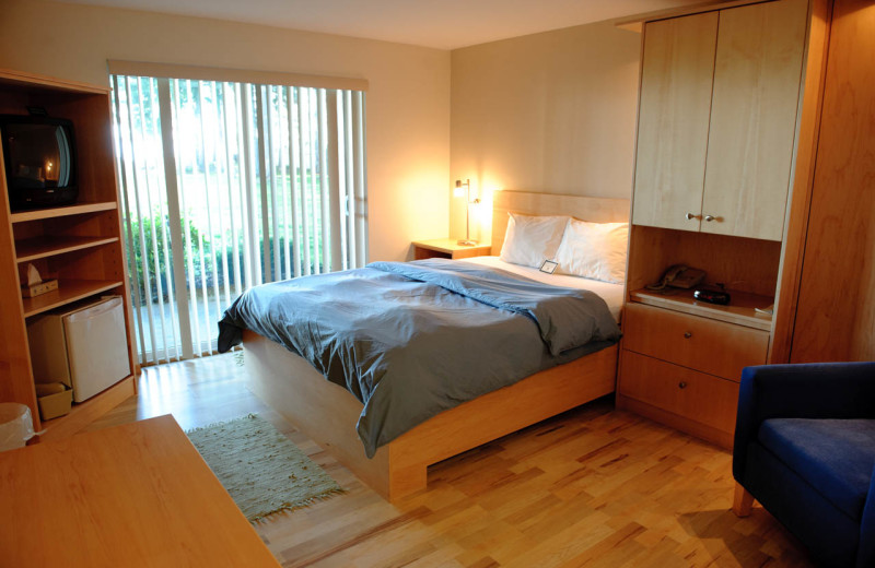 Guest Room at Fresh Start Health Retreat Centers