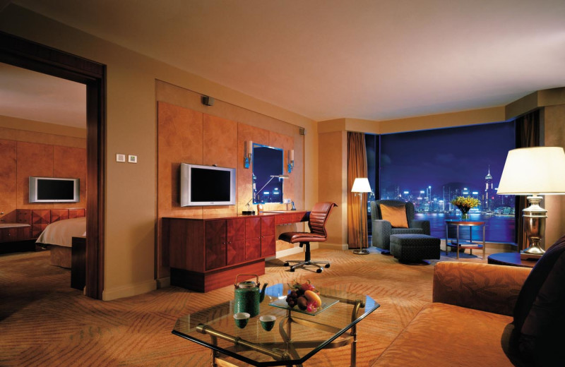 Guest suite at Kowloon Shangri-La.
