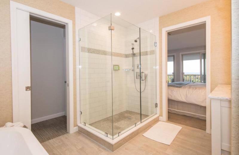 Guest bathroom at Winnetu Oceanside Resort.