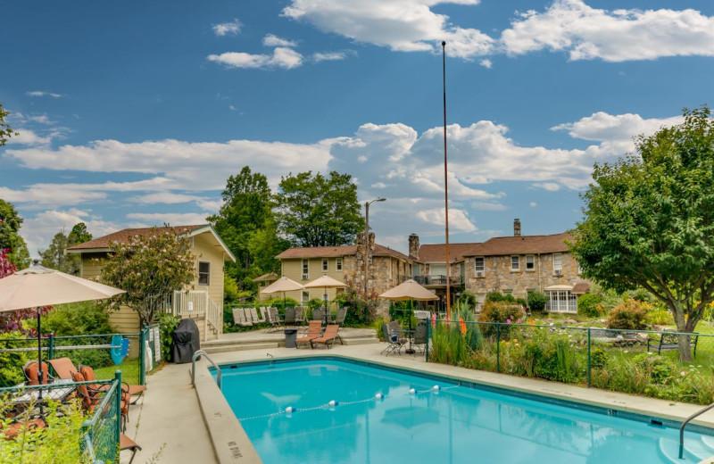 Outdoor pool at Echo Mountain Inn.