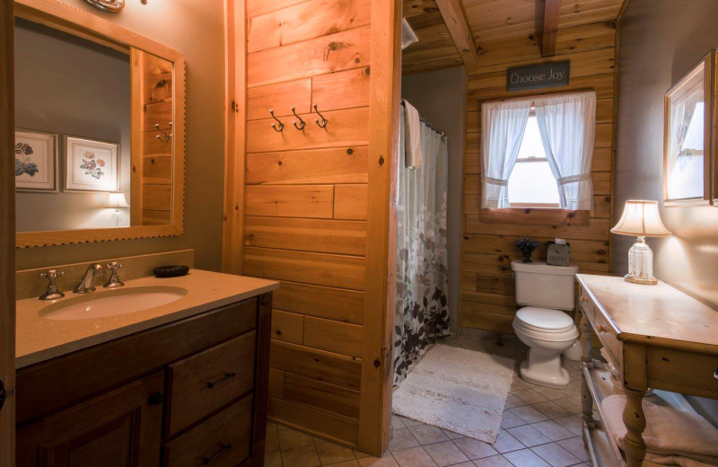 Bathroom at The Lodge at Lane's End.