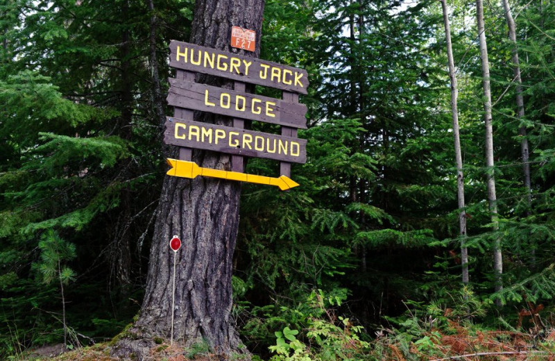 Sign to campground at Hungry Jack Lodge.