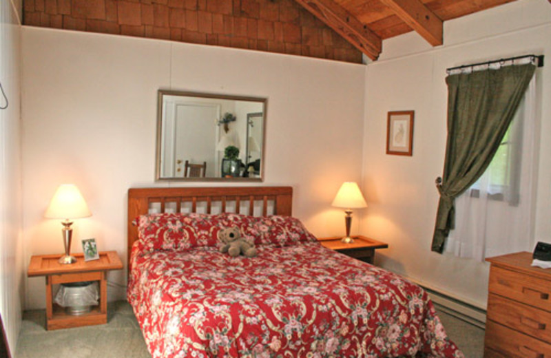 Vacation rental bedroom at Snowshoe Properties Management.